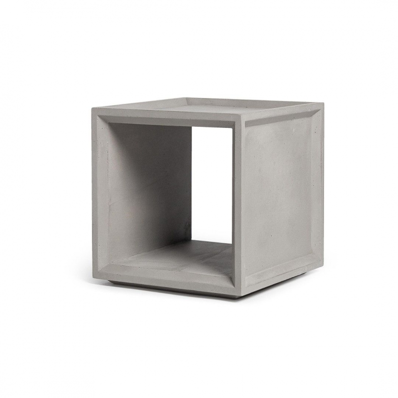 Plus 1 – concrete storage cube